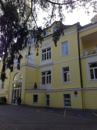Bad Hall, Austria: Front of Hotel