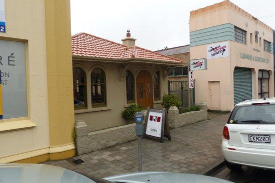 Groove Kitchen Espresso entrance
