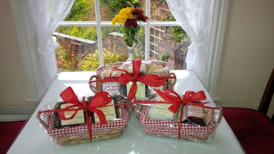 The Winding House Tea Rooms: Gift Baskets now available - With Homemade Jams and Loose Leaf Teas