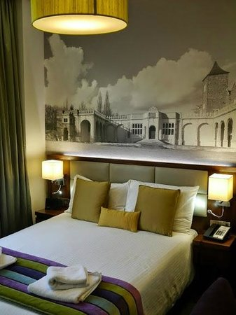 Seraphine London Kensington Gardens: Nice touch in the room