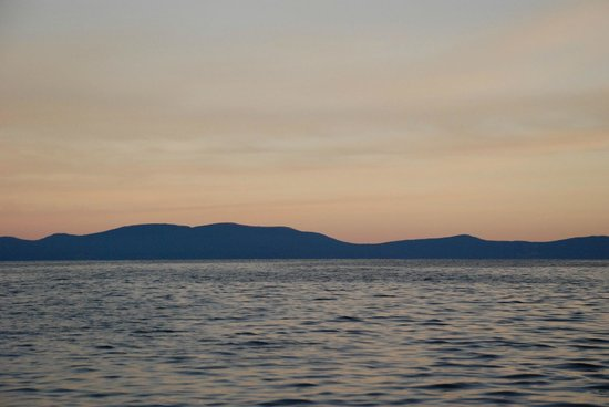 Early morning on lake tahoe off of joby 39 s boat picture for South lake tahoe fishing charters