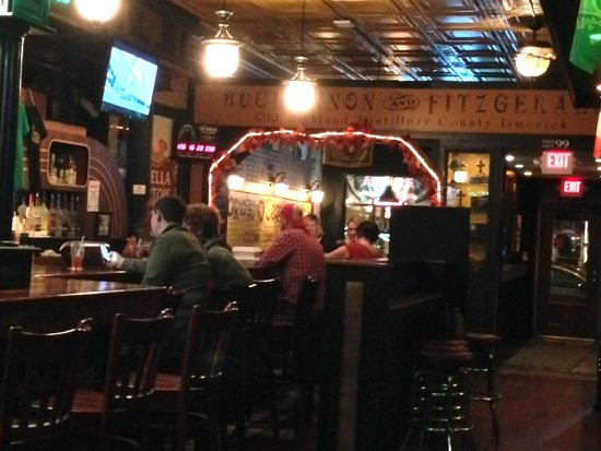 O'Riley & Conway's Irish Pub: Subtile interior lighting contributes to O'Riley's great atmosphere.