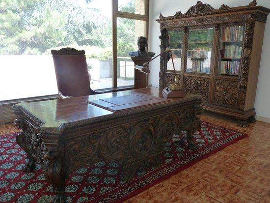 Josip Broz Tito Mausoleum: Scrivania di Tito