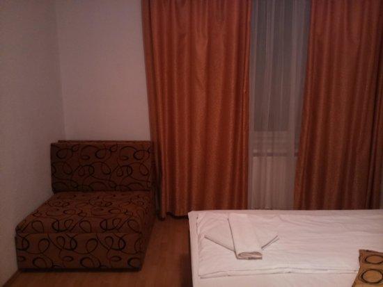 Hid Hotel: 2