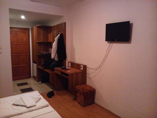 Hid Hotel: 3