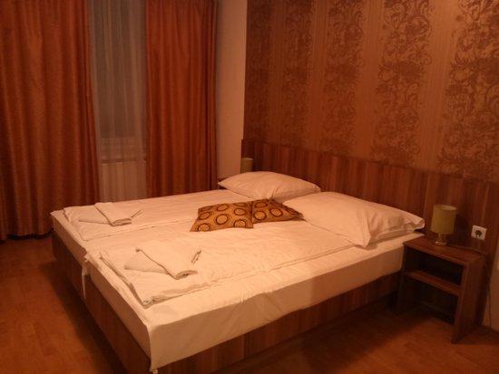 Hid Hotel: 4