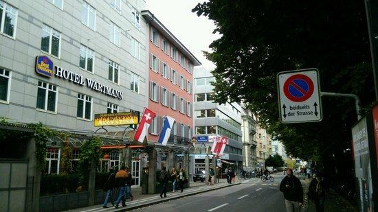 Best Western Hotel Wartmann am Bahnhof: Hotel Wartmann next to Winterthur station
