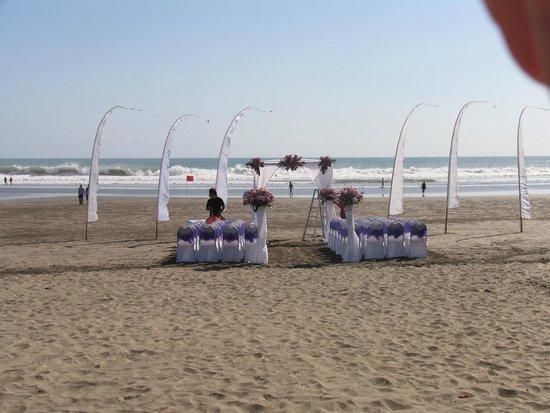 Double Six Beach: beach ceremony at ABC