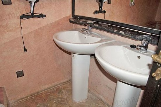 Ryad Laarouss: Salle de bain