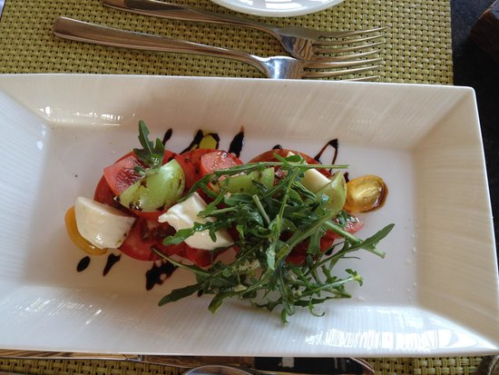 Conrad Bali: Eight Degrres South Restaurant in Conrad Resort