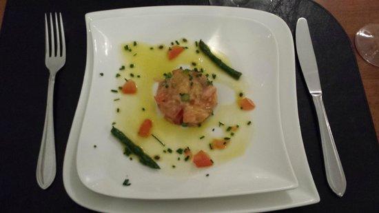 La Petite France : tartare de saumon