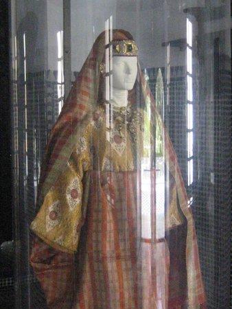 Dar Batha Museum: VESTITO