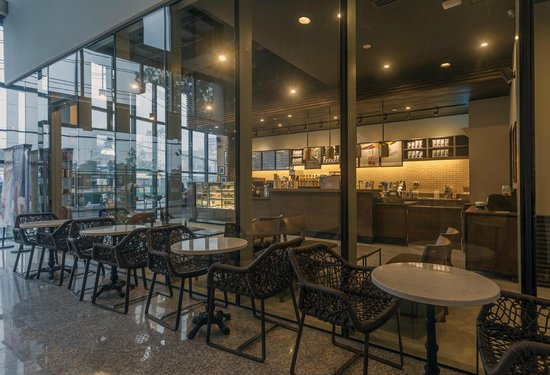 starbucks vietnam On january 3, coffee giant starbucks officially opened its first coffee store in  danang, marking its 35th restaurant in vietnam, to celebrate its fifth.