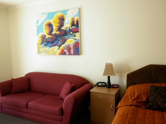 Augusta Courtyard Motel : lounge new and clean