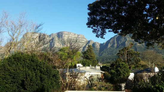 Riversong Guest House: The View from the Floral Room
