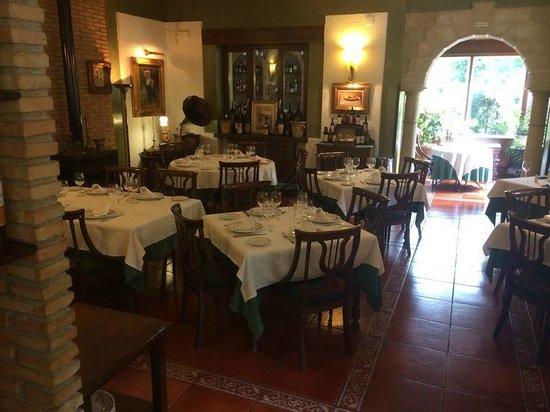 Horno de Salvador: Comedor