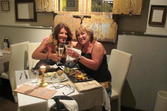 Yamas Restaurant: lovely food & drink