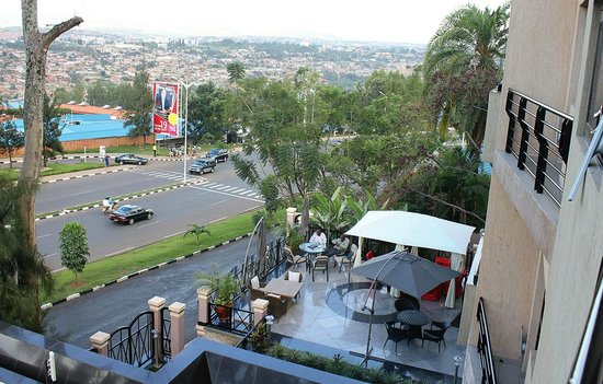 Hill View Hotel & Aparts : View from Room