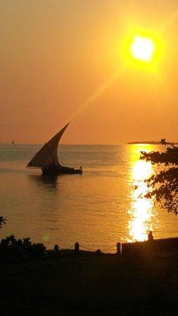 Mtoni Marine Hotel: Sunset