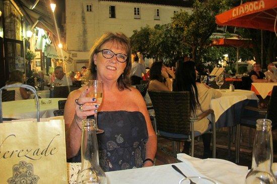 Gran Plaza: nice food & drink