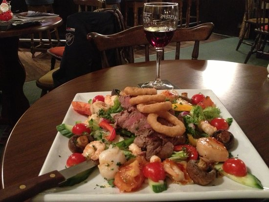 The Manor Country House Hotel: Steak strips with scallops