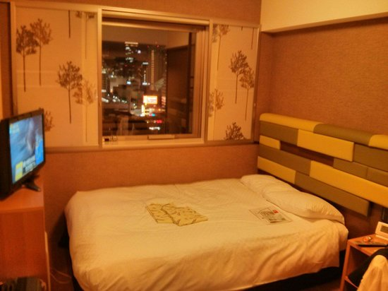 Hearton Hotel Kitaumeda : Small clean rooms. We had a great view.