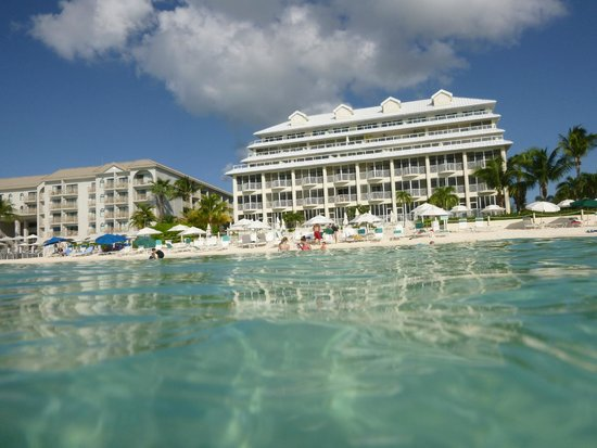 South Bay Beach Club : Looking back while snorkeling