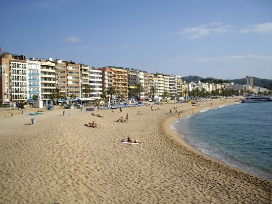 la plage a 5 minutes photo de gran garbi mar lloret de mar tripadvisor. Black Bedroom Furniture Sets. Home Design Ideas