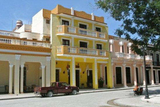 Hotel E Royalton: Hotelansicht
