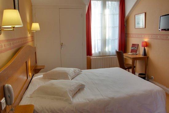 le chalet de la foret hotel vierzon france voir les tarifs et 230 avis. Black Bedroom Furniture Sets. Home Design Ideas
