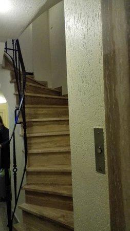 Windsor Hotel : Acceso a planta sotano.