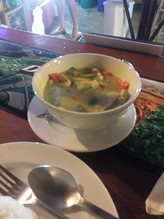 Weekender VIlla Beach Resort : Green curry