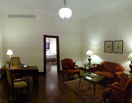Maidens Hotel: lounge in suite