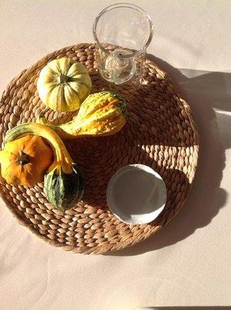 Jackson House Inn: halloween table decoration