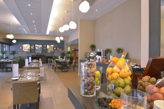 Mercure Auxerre Nord: Buffet pdj