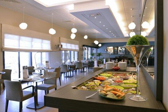 Mercure auxerre hotel appoigny voir les tarifs 315 for Tarif piscine auxerre