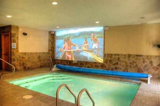 Elk Springs Resort: Indoor Pool