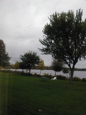 The Lakeside Inn: Lake view