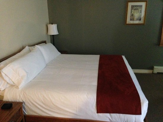The Harbour House: Bed