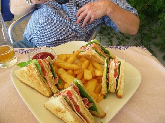 Hotel Solon: My partner's Club Sandwich
