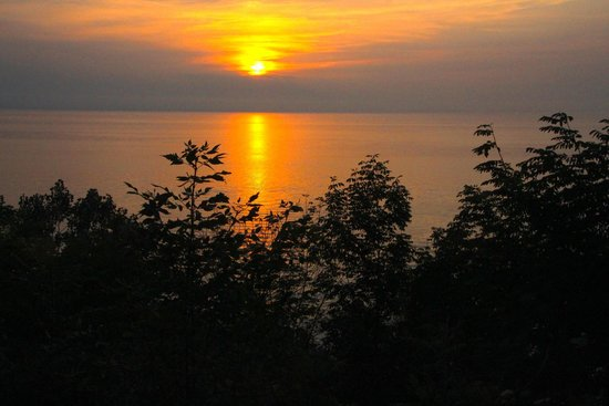The Painted Turtle Inn: Sunset on Lake Michigan