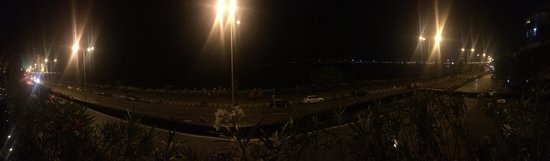 InterContinental Marine Drive: Great view on the 2nd floor restaurant