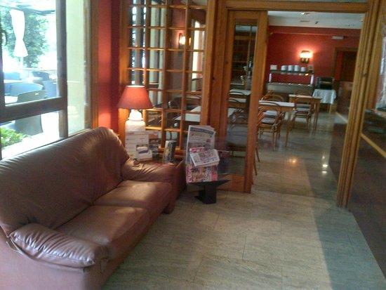 Hotel Rovira : Sala de estar/Recepción