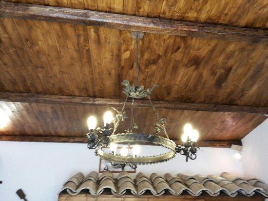 Lampadario Antico In Legno : Lampadario antico in legno classico in vendita serravalle sesia
