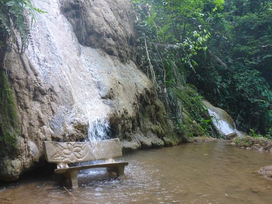 Tad Thong Waterfall: A lot of peaceful stops on the way