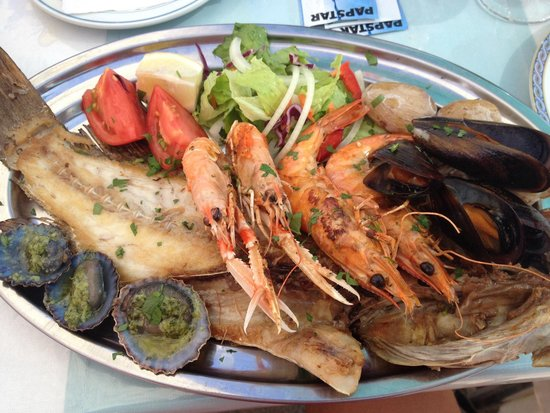 Mixed grill fish and seafood picture of charco viejo for Fish and grill