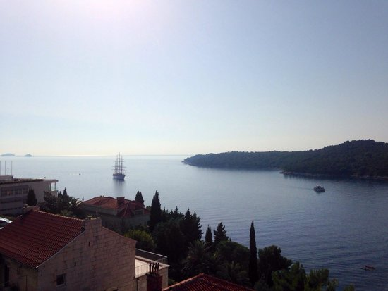 Villa Ragusa Dubrovnik: View to left from balcony