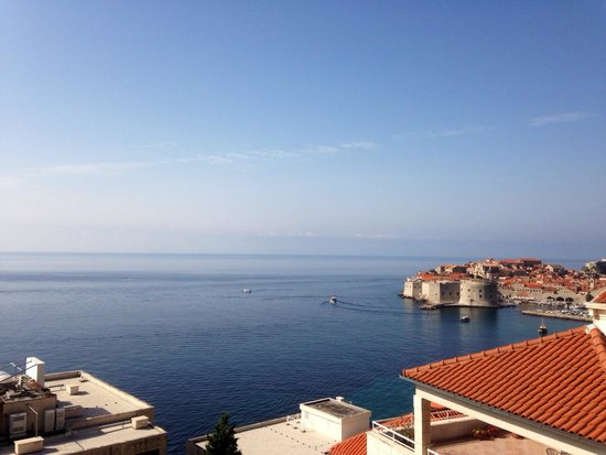 Villa Ragusa Dubrovnik: View to right from balcony