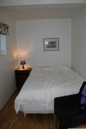 Kria Guesthouse: Parte della camera