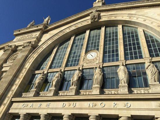 Stations exterior detail photo de gare du nord paris for Agence avis gare du nord